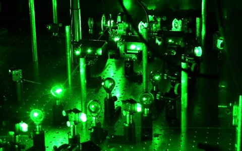Green lasers in a spectroscopy lab